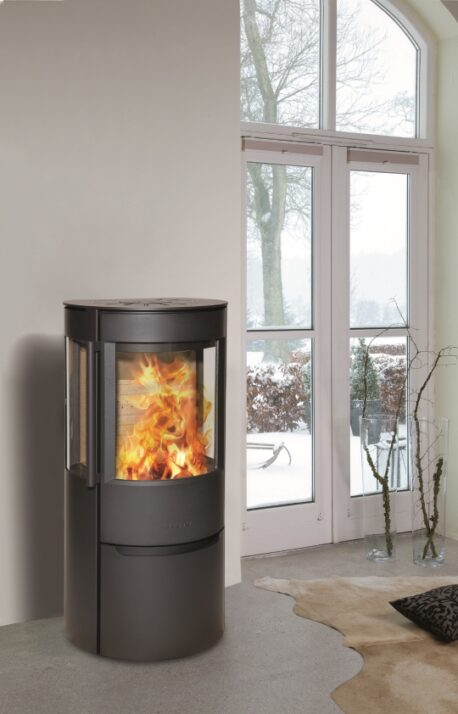 Wiking Luma 3 has wide side windows, so that attractive flames can be viewed from the sides as well.